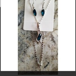 Beautiful new blue necklace and earrings set